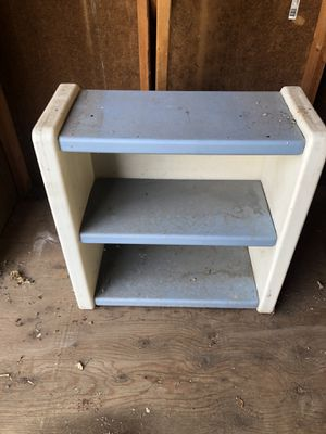 Free kids toy shelves for Sale in Commerce City, CO