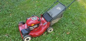 Craftsman 6.75 self propelled lawn mower with bag for Sale in Levittown, PA
