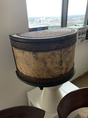 Side table for Sale in Hartford, CT
