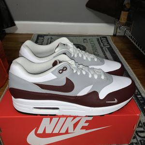 Airmax 1 Mystic Dates Size 11.5 for Sale in Chicago, IL