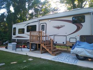 Camper 5th wheel 2013 canyon for Sale in Tallassee, AL