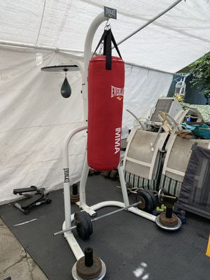 Sand bag with stand!! for Sale in Los Angeles, CA