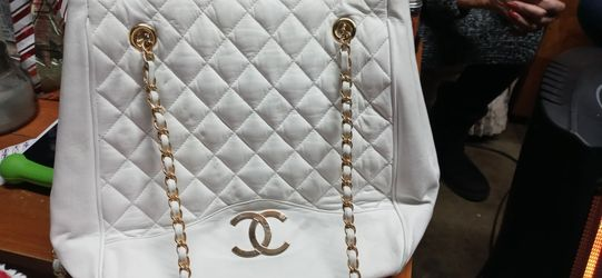 Authentic Chanel Bag. for Sale in Gresham,  OR