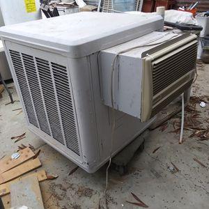 Swan Cooler Good Condition for Sale in San Bernardino, CA