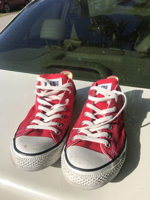 Red Converse Chuck Taylor size 9.5 for Sale in Miami, FL