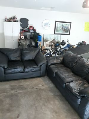 Couch and loveseat for Sale in Tracy, CA