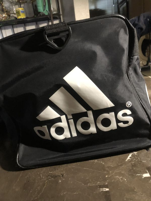 Adidas gym duffle bag great condition! Clean and barely used