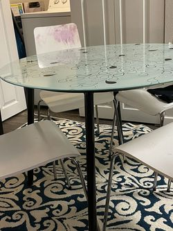 Table And Chairs for Sale in Mukilteo,  WA