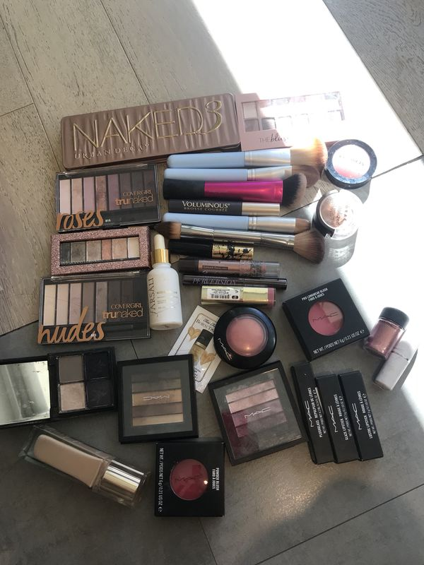 Gorgeous makeup haul MAC FARSALI clarins naked and so much more!