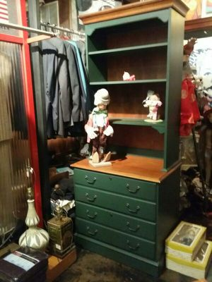 Ethan Allen painted bookshelves with drawers REDUCED!!!! for Sale in Marietta, GA