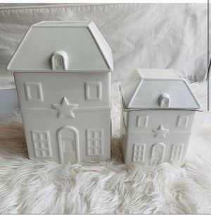 NEW Threshold cookie jars set of 2 for Sale in Carson City, NV