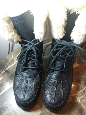 Men's boots fur lined lace up Ralph Lauren sz 9.5 new for Sale in Rolling Meadows, IL