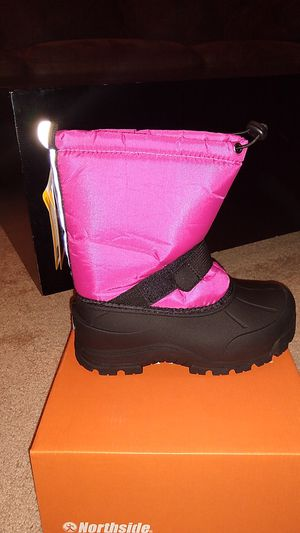 Kid's Size 3 Snow Boots - New In Box for Sale in Roseville, CA
