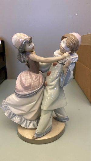Lladro 5452 Masquerade Ball Porcelain Figurine for Sale in Phoenix, AZ