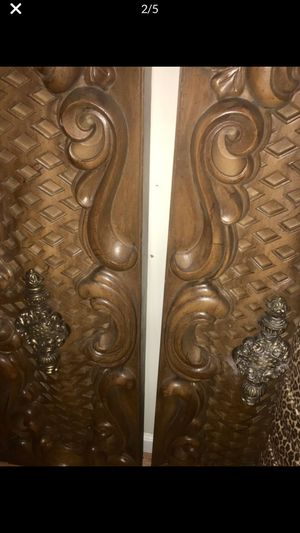 Unique headboard wall decoration. Faux wood That looks like wood even up close. Deeply Carved intricate design simply fabulous! Hollywood Regency Vic for Sale in Torrance, CA