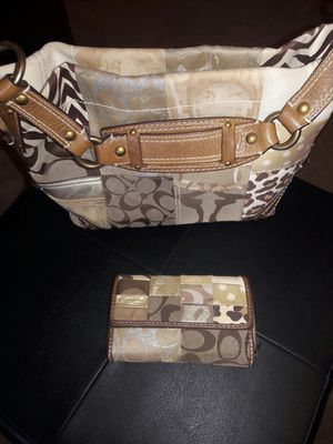 Bolsa COACH con cartera. for Sale in Somerton, AZ