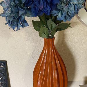 Vase w/flowers for Sale in Houston, TX