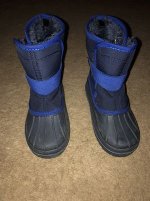 Toddler size 11 Snow Boots for Sale in Cedar Rapids, IA