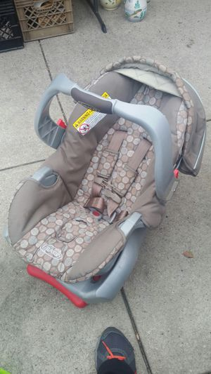 Infant car seat. for Sale in Brooklyn, NY