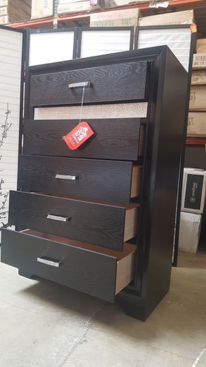 5 Drawer Chest, Black for Sale in Fountain Valley, CA