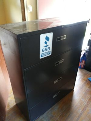 File Cabinet 4 Drawer for Sale in Garfield Heights, OH