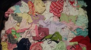 Baby Girl clothes Bundle 0-3 months for Sale in Detroit, MI