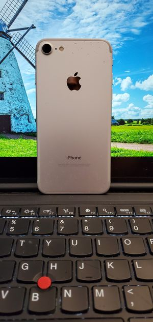 iPhone 7 128 GB UNLOCKED for Sale in Aspen Hill, MD