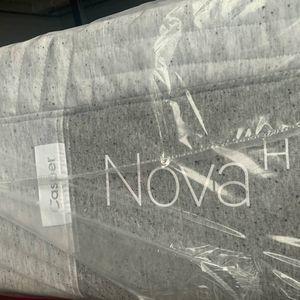 Split King Original Hybrid Or Split King Casper Nova Mattresses For Sale-much CHeaper-SPLIT KING BRE ADJUSTABLE WIRELESS BED FRAME FOR SALE TOO for Sale in Portland, OR