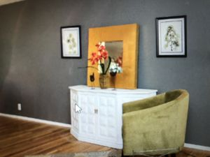 White console table $100 for Sale in Lake Saint Louis, MO