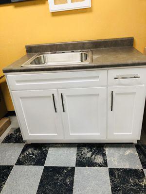 Kitchen cabinets for Sale in Pico Rivera, CA