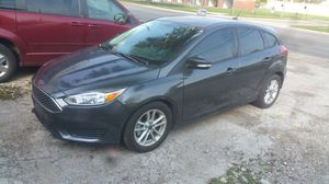 2015 ford focus hatchback clean title for Sale in Warren, MI