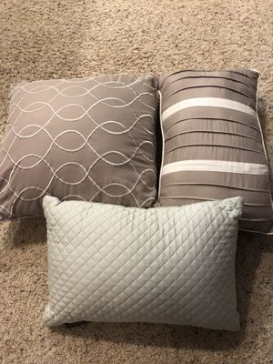 Pillow Set for Sale in Bothell, WA