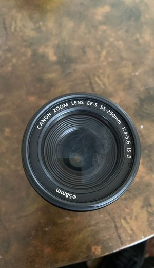 Canon Zoom Lens EF-S 55-250mm 58mm for Sale in Los Angeles, CA