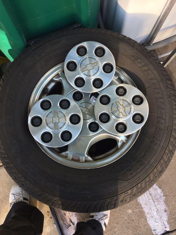 Chevy Silverado 1500 Wheels Size 16 and Tires