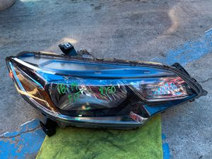2018-2019 HONDA FIT HONDA FIT HEADLIGHT RIGHT PASSENGER SIDE OEM for Sale in Gardena, CA