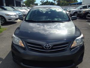 2013 Toyota Corolla LE ( 66k miles ) (clean title ) for Sale in Fort Lauderdale, FL