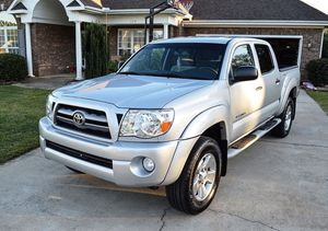 Great Offer 2005 Toyota Tacoma 4WDWheels for Sale in Chicago, IL