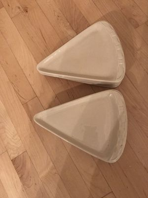 """LONGABERGER Pottery WOVEN TRADITIONS Ivory 10 3/8"""" PIZZA SLICE PLATES — 12 total for Sale in Santa Clarita, CA"""