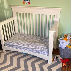 Convertible Crib / Toddler Bed for Sale in Sioux Falls, SD
