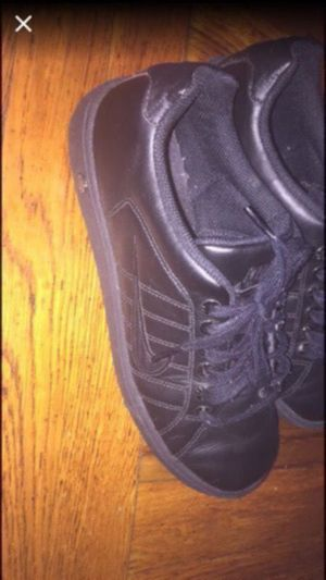 Women black nike shoes size 8.5 in good condition for Sale in Chelsea, MA