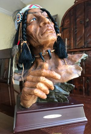 Indian statue 14 inches tall great detail titled great spirit for Sale in Palm Beach Gardens, FL