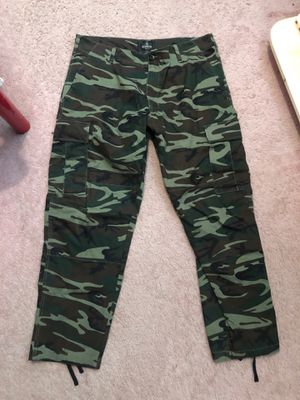 Army camo pants sz L- new without tags -$20 for Sale in Medina, OH