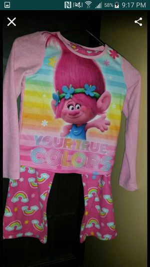 DreamWorks trolls girls pajamas size medium 8/10 for Sale in Largo, FL