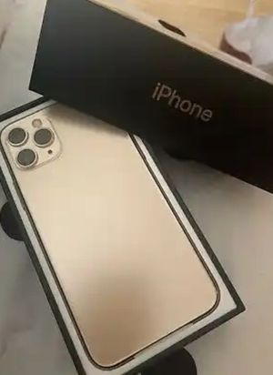 """Apple iPhone 11 Pro - 256GB - Gold (Unlocked) A2215 (CDMA + GSM). Condition is """"Fairly Used"""" for Sale in Chicago, IL"""