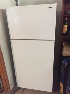 Refrigerator hotpoint for Sale in Norcross, GA