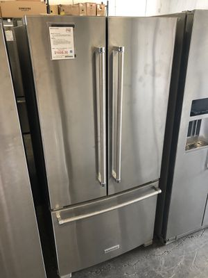 "KitchenAid Stainless Steel 22 Cu. Ft. 33"" Width Standard Depth French Door Refrigerator with Interior Dispense for Sale in Tampa, FL"