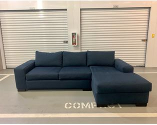 FREE DELIVERY Dark Navy Blue Sectional Couch for Sale in Seattle,  WA