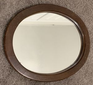 """VINTAGE ANTIQUE 14""""x12"""" WALL HANGING WOOD OVAL FRAME WITH MIRROR for Sale in Chapel Hill, NC"""