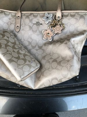 Coach Purse and Wallet for Sale in Lexington, SC