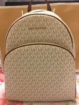 New Authentic Michael Kors Large Backpack ❤❤❤ for Sale in Bellflower, CA